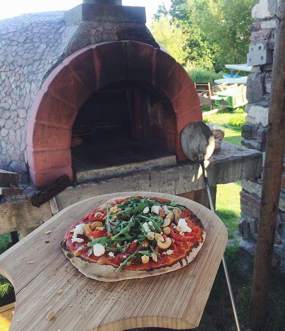 Huisgemaakte pizza uit de houtoven