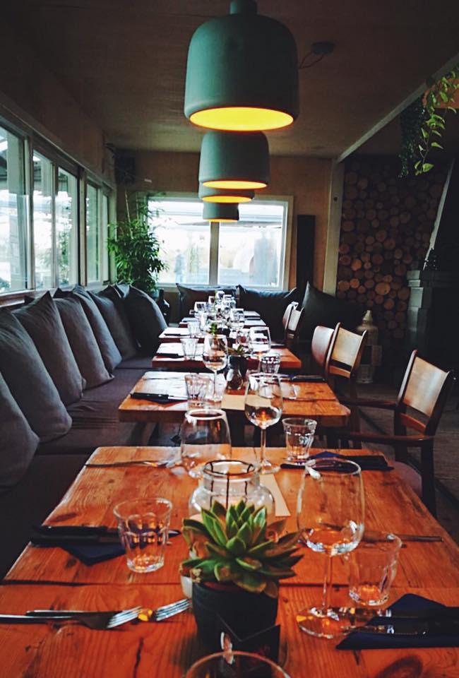 De binnenruimte van restaurant Como & Co